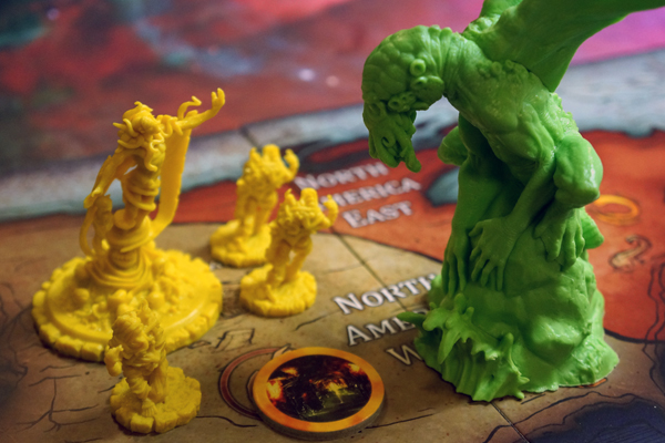 Cthulhu desubmerges under the King in Yellow...